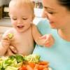7 moduri de a-ti convinge copilul sa manance