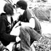 Tinerii de azi ating maturitatea sexuală mult mai devreme