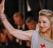 SHOWBIZ / Madonna şi-a prezentat cel mai recent film la Festivalul Internaţional de la Veneţia