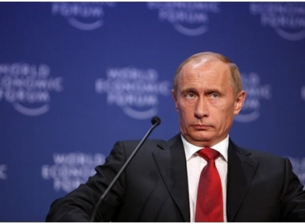 POLITICĂ / Putin candidează din nou pentru preşedinţia Rusiei