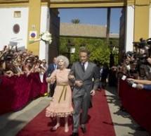 SHOWBIZ / Evantaie şi covor roşu în Spania la nunta ducesei de Alba