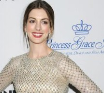 SHOWBIZ / Actriţa Anne Hathaway s-a logodit