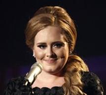 SHOWBIZ / Adele supusă unei intervenţii chirurgicale la gât