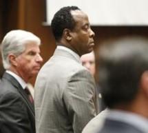 SHOWBIZ / Coşmarul Dr.Conrad Murray, găsit vinovat de omucidere involuntară în cazul MJ, abia începe