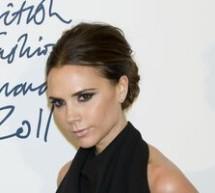SHOWBIZ / Victoria Beckham a câştigat la Londra echivalentul premiului Oscar al modei