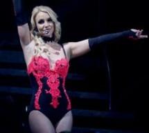 SHOWBIZ / Britney Spears şi-a sărbătorit ziua de naştere pe gheaţă