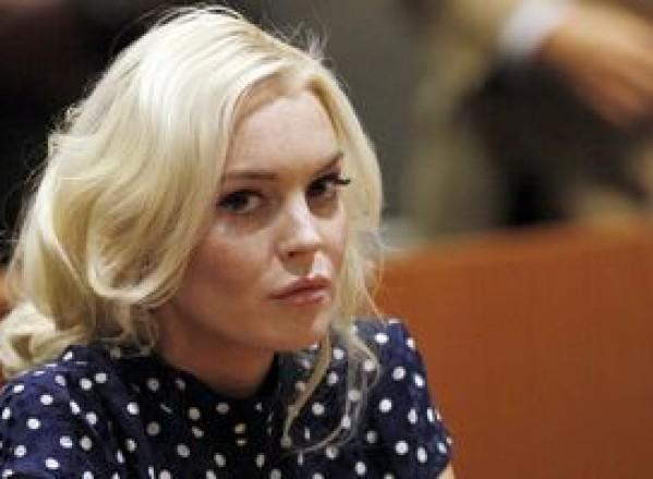 SHOWBIZ / Hoţii au disperat-o pe Lindsay Lohan