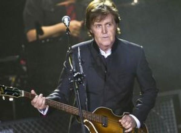 SHOWBIZ / Paul McCartney îşi va lansa noul album în februarie 2012