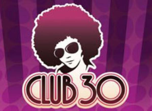 Cluburi Prezentare De Modă Inedită în Club 30 Timişoara Galerie