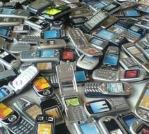IT&C / Telefoanele codate într-o anumită reţea ar putea fi deblocate automat la expirarea contractului