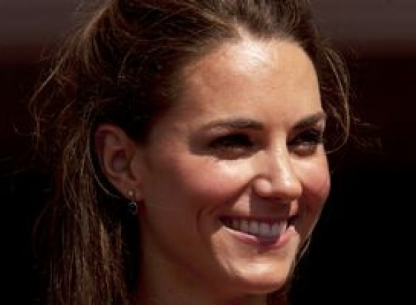 SHOW-BIZ / Kate Middleton e fascinată de Angelina Jolie