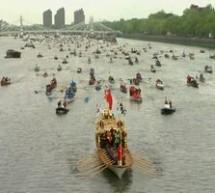 Grandioasa parada navala pe Tamisa cu ocazia jubileului Reginei Elisabeta a II-a