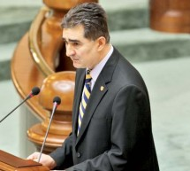 Chestorul Ioan Ghise a depus plangere penala impotriva lui Basescu si a sase judecatori ai CCR