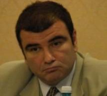 Afaceristul Cătălin Chelu, prins în timp ce oferea mită chestorului Dan Fătuloiu. Valoarea mitei s-ar ridica la un milion de euro