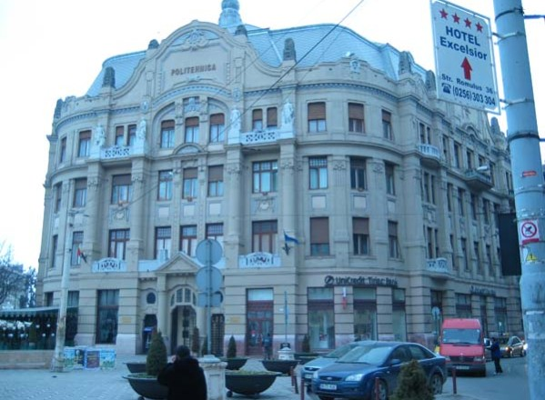 Timişoara / Politehnica nu pleacă din Piaţa Victoriei