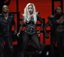 SHOWBIZ / Lady Gaga vrea să-şi implanteze dinţi de diamante