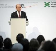 POLITICĂ / Traian Băsescu crede că România va depăşi criza mai bine decât alte ţări