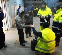 SOCIAL / Voluntarii vin în ajutorul persoanelor fără adăpost