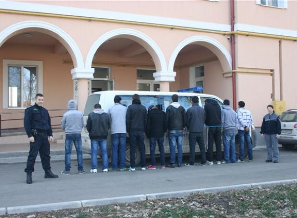 Din nou, multi migranti prinsi la frontiera