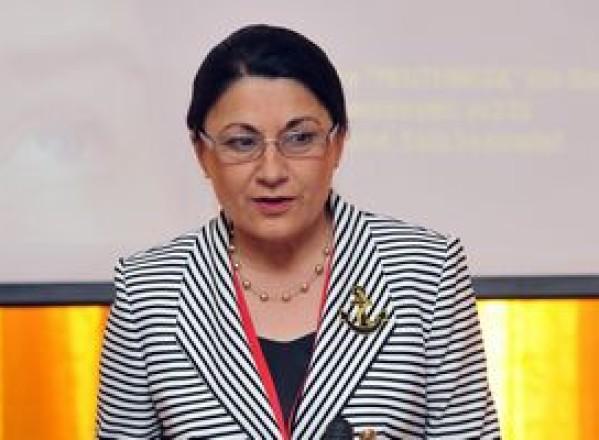 Victor Ponta declara ca va întocmi toate documentele pentru numirea in functia de ministru al Educatiei a Ecaterinei Andronescu