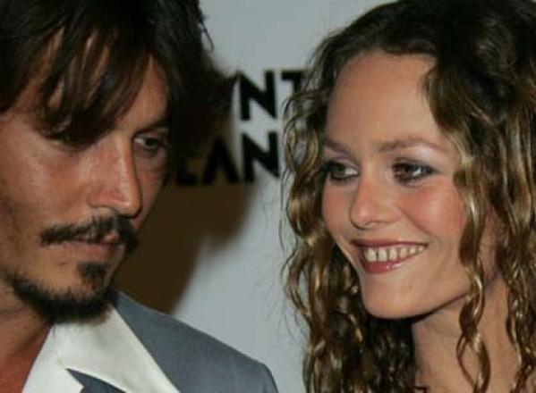 Johnny Depp i-a cedat Vanessei Paradis jumatate din avere