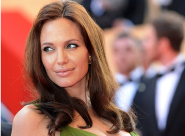 Angelia Jolie a fost amenintata cu moartea