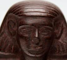 Misterul faraonului din muzeu: de ce se misca singura o statuie veche de 5.000 de ani?