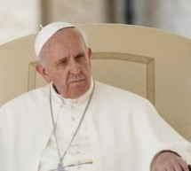 Papa Francisc susţine ca Biserica Romano-Catolica nu ar trebui sa fie obsedata de casatoriile homosexuale, avort sau contraceptie