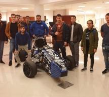 """UPT Racing Team și-a """"parcat"""" monopostul la… Bibliotecă"""