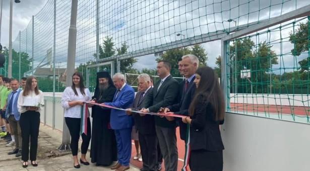 Inaugurare teren de sport la Gyula şi extindere şcoală la Elek, Ungaria